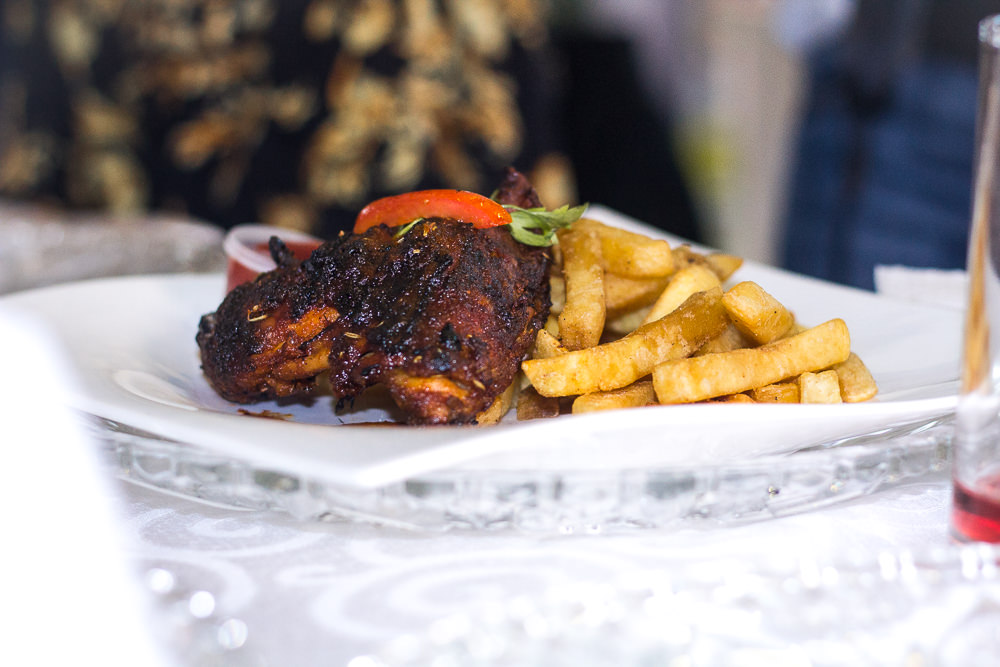 RESTAURANT REVIEW :FRENCH FRIES AND CHICKEN DISH