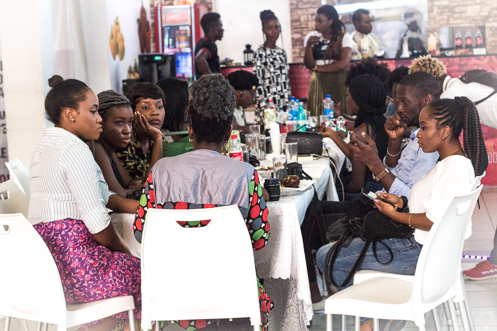 RESTAURANT REVIEW : A CROSS SECTION OF BLOGGERS LISTENING AT AN EVENT