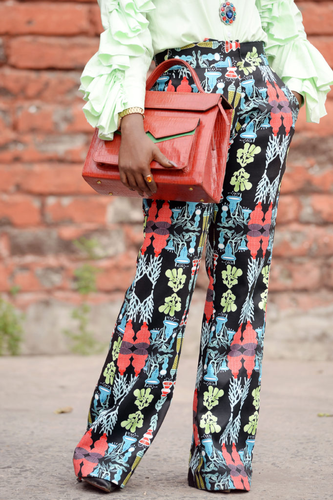 what to wear to work ,alternative work style ,work outfit, personal work style ,ruffled shirt ,printed pant ,zashadu bag
